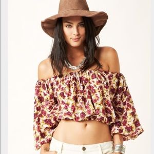 novella royale Off Shoulder Top